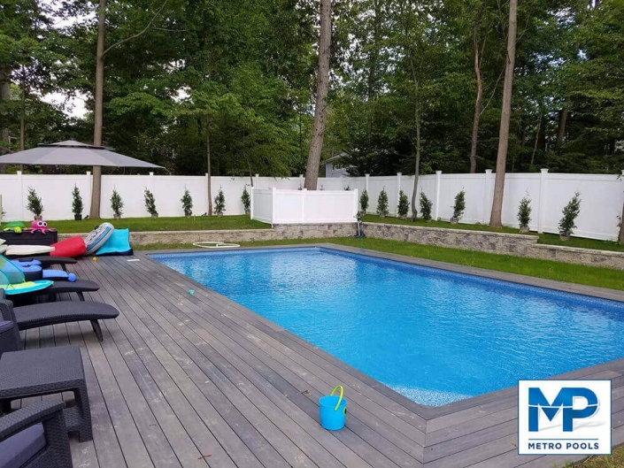 Vinyl liner inground pool with beach desk chairs Wayne NJ Metropools